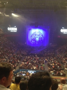 waiting for queen (3)